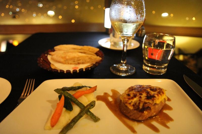 Janet Lilo_Noumea_Revolving_restaurant